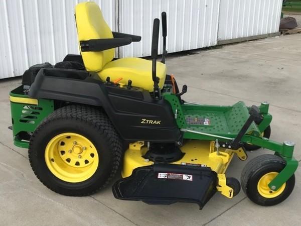 2016 John Deere Z540R Lawn and Garden