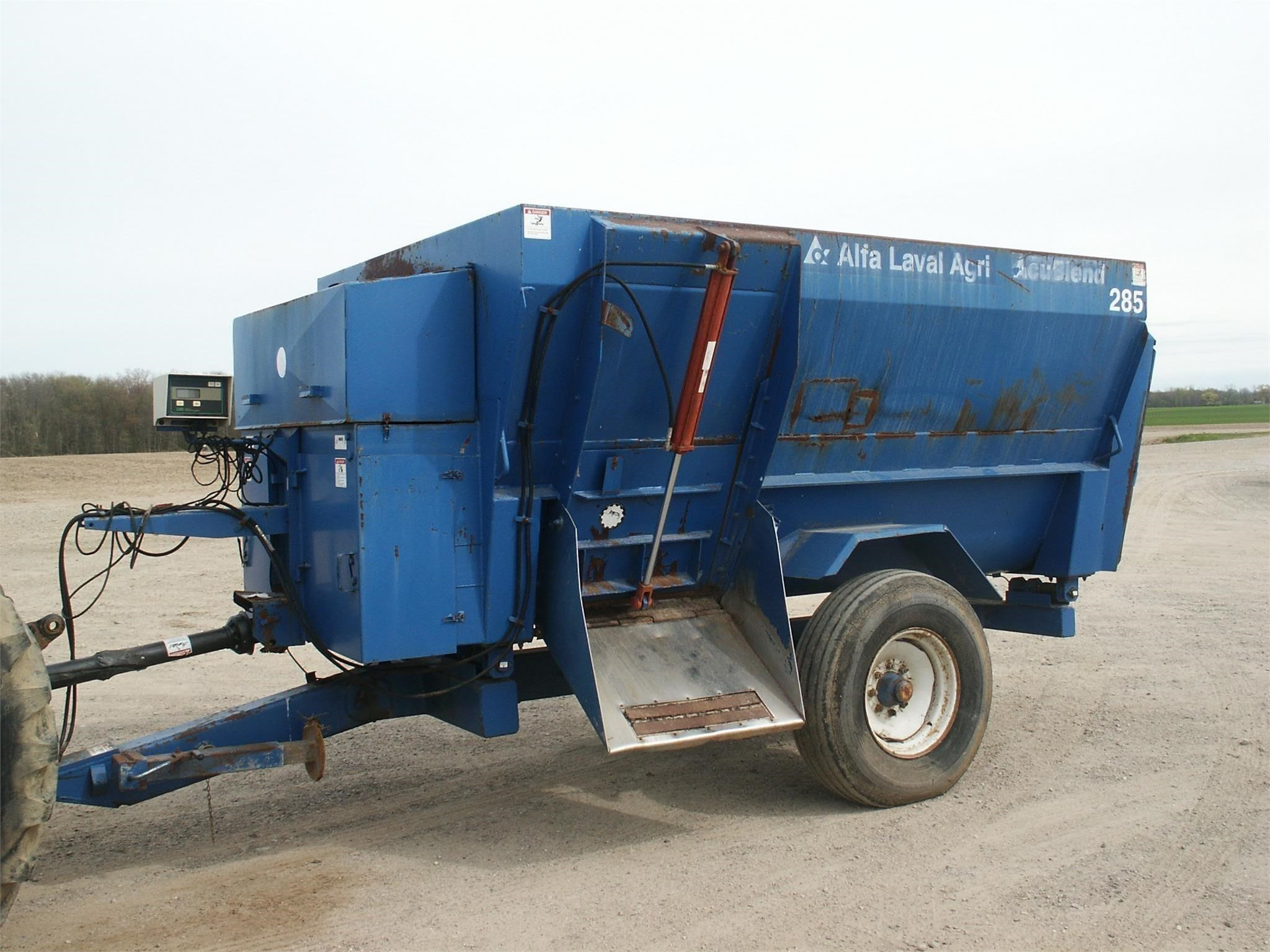 Alfa-Laval Agri 285 Grinders and Mixer