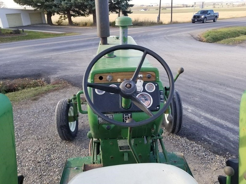 1975 Oliver 1655 Tractor