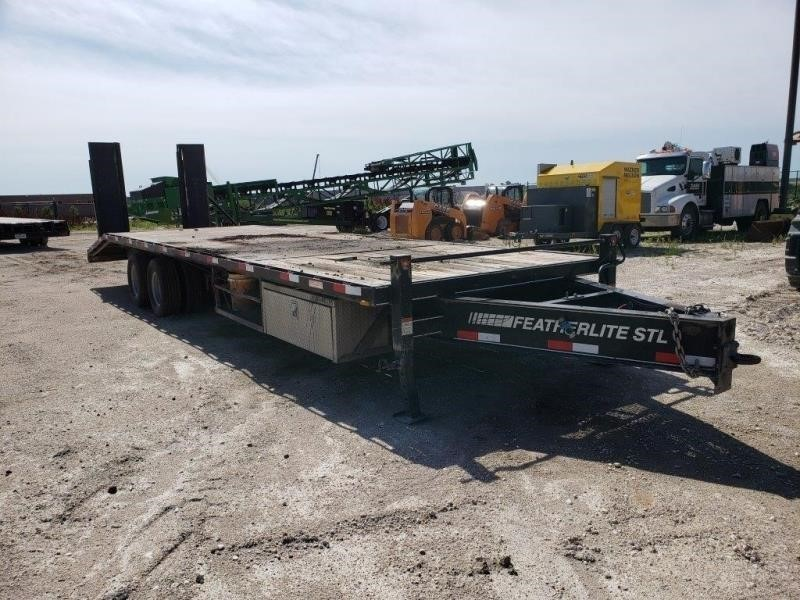 2006 Featherlite 5595 Flatbed Trailer