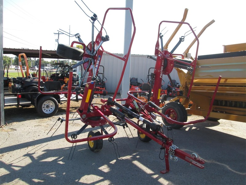 2016 New Holland Proted 3417 Tedder