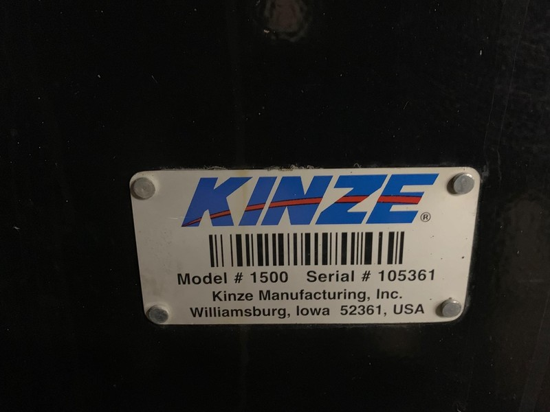 2015 Kinze 1500 Grain Cart