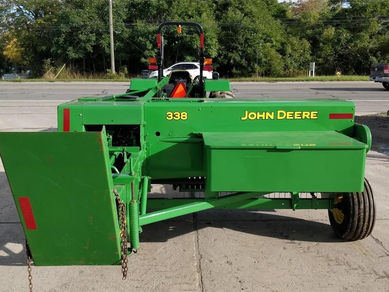 2006 John Deere 338 Small Square Baler