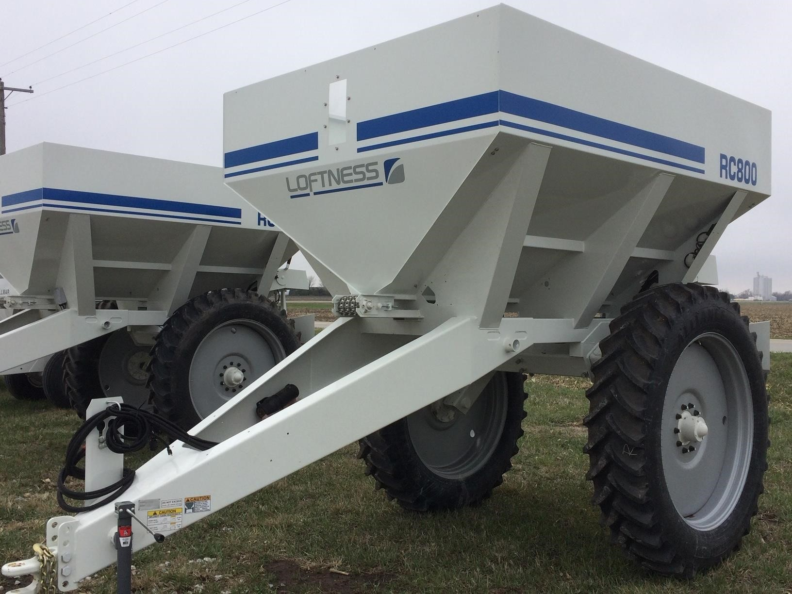 2020 Loftness RC800 Pull-Type Fertilizer Spreader