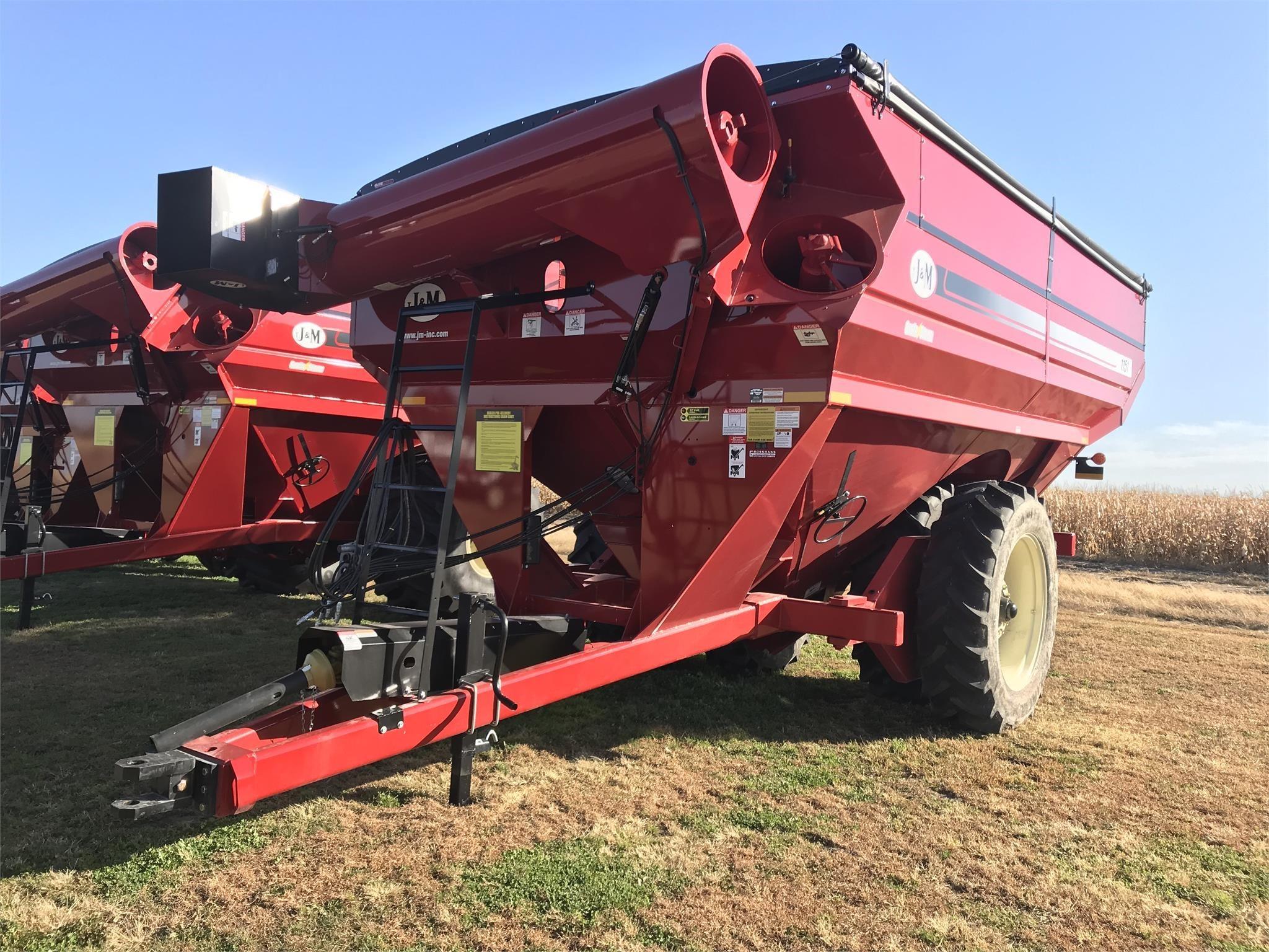 2019 J&M 1151-22D Grain Cart