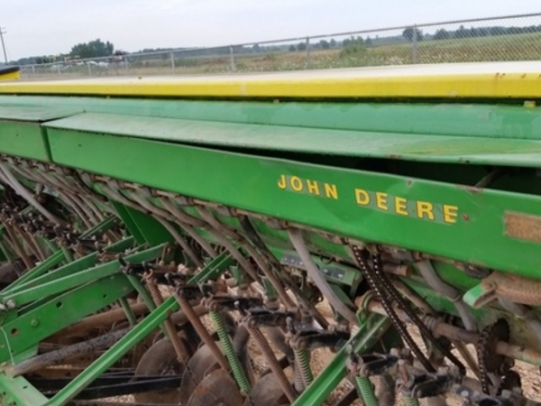 1980 John Deere 8300 Drill