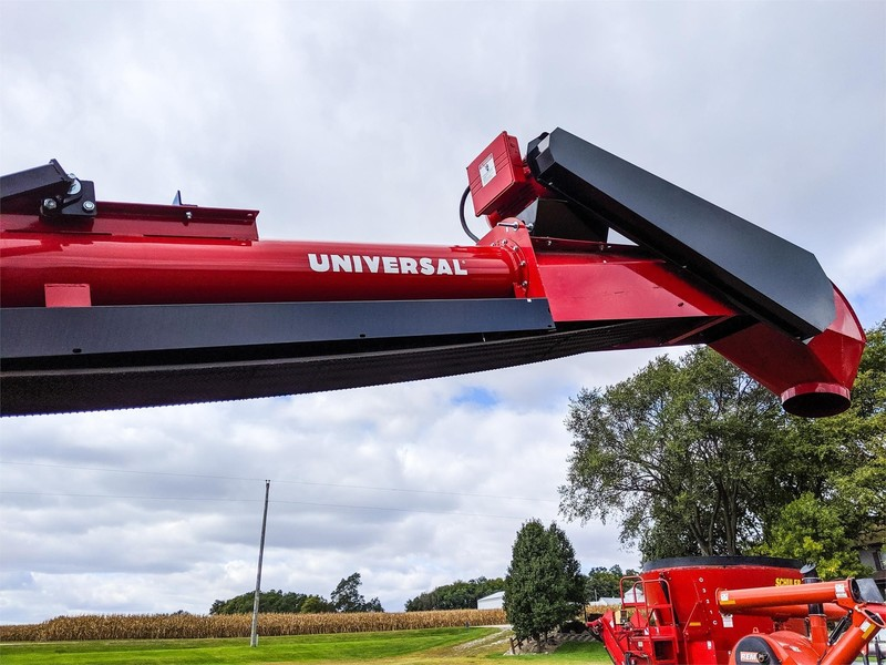 2019 Universal 1537 FIELD LOADER TD Augers and Conveyor