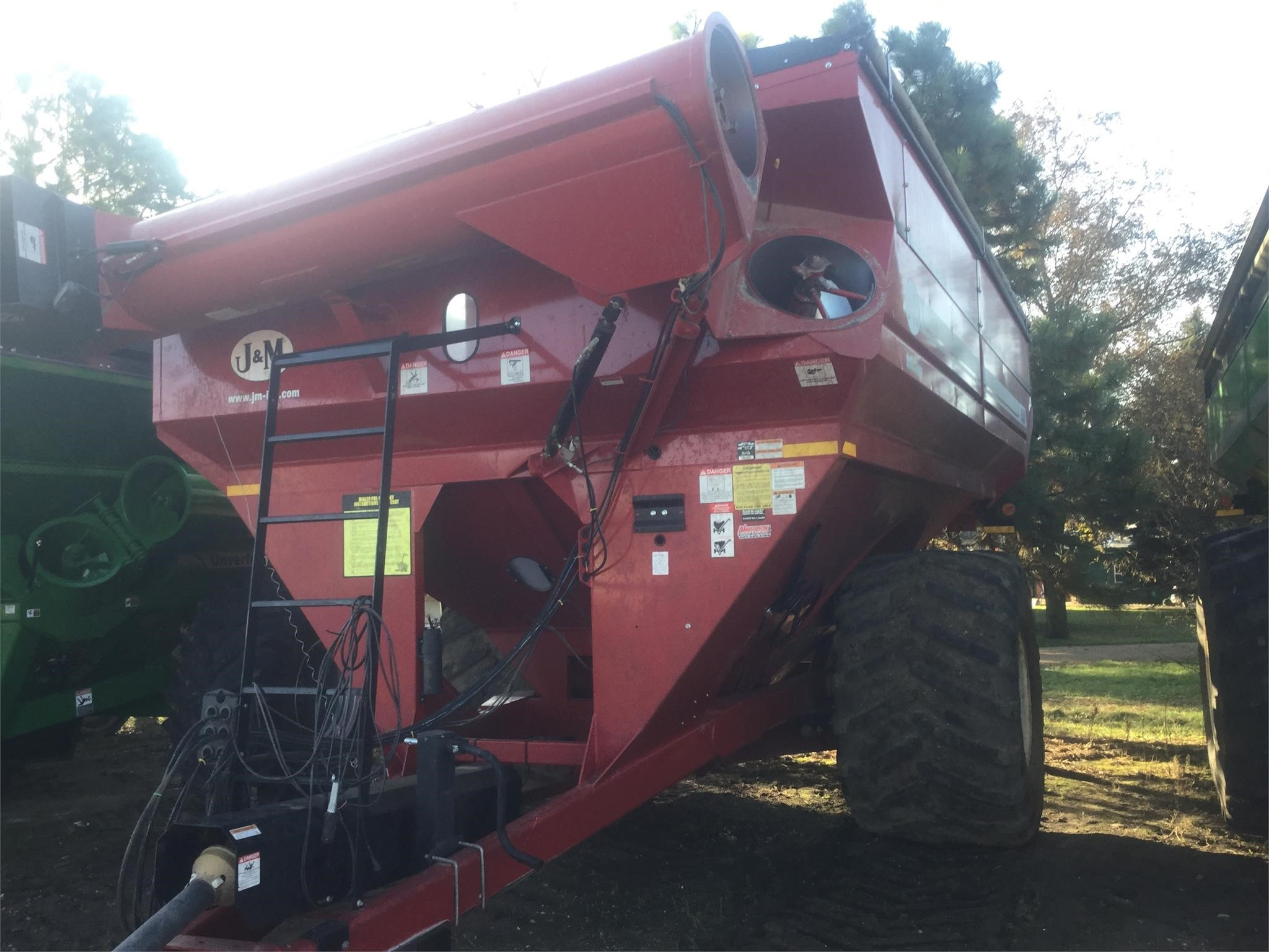 2016 J&M 1150-20S Grain Cart