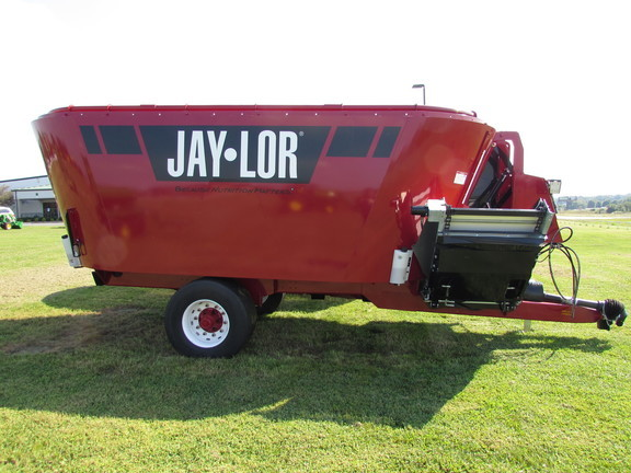 2019 Jay Lor 5750 Grinders and Mixer
