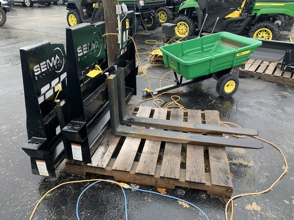 2018 Berlon 48-2 Loader and Skid Steer Attachment