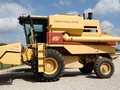 1992 New Holland TR86 Combine