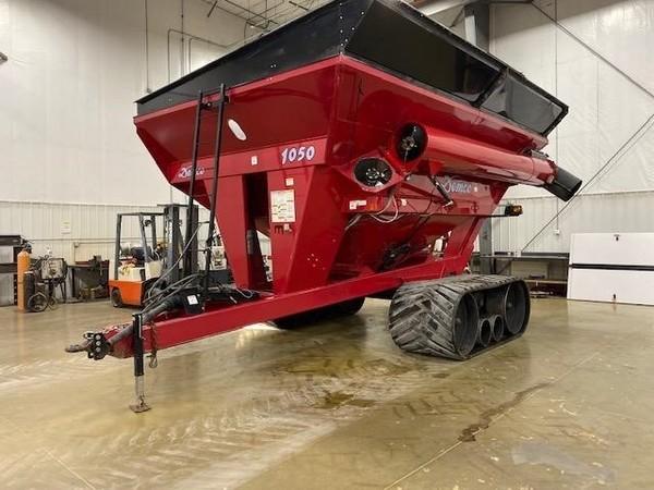 2012 Demco 1050 Grain Cart