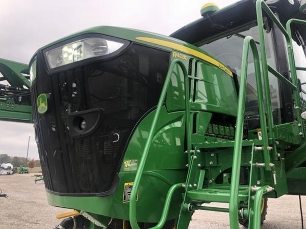 2018 John Deere R4030 Self-Propelled Sprayer