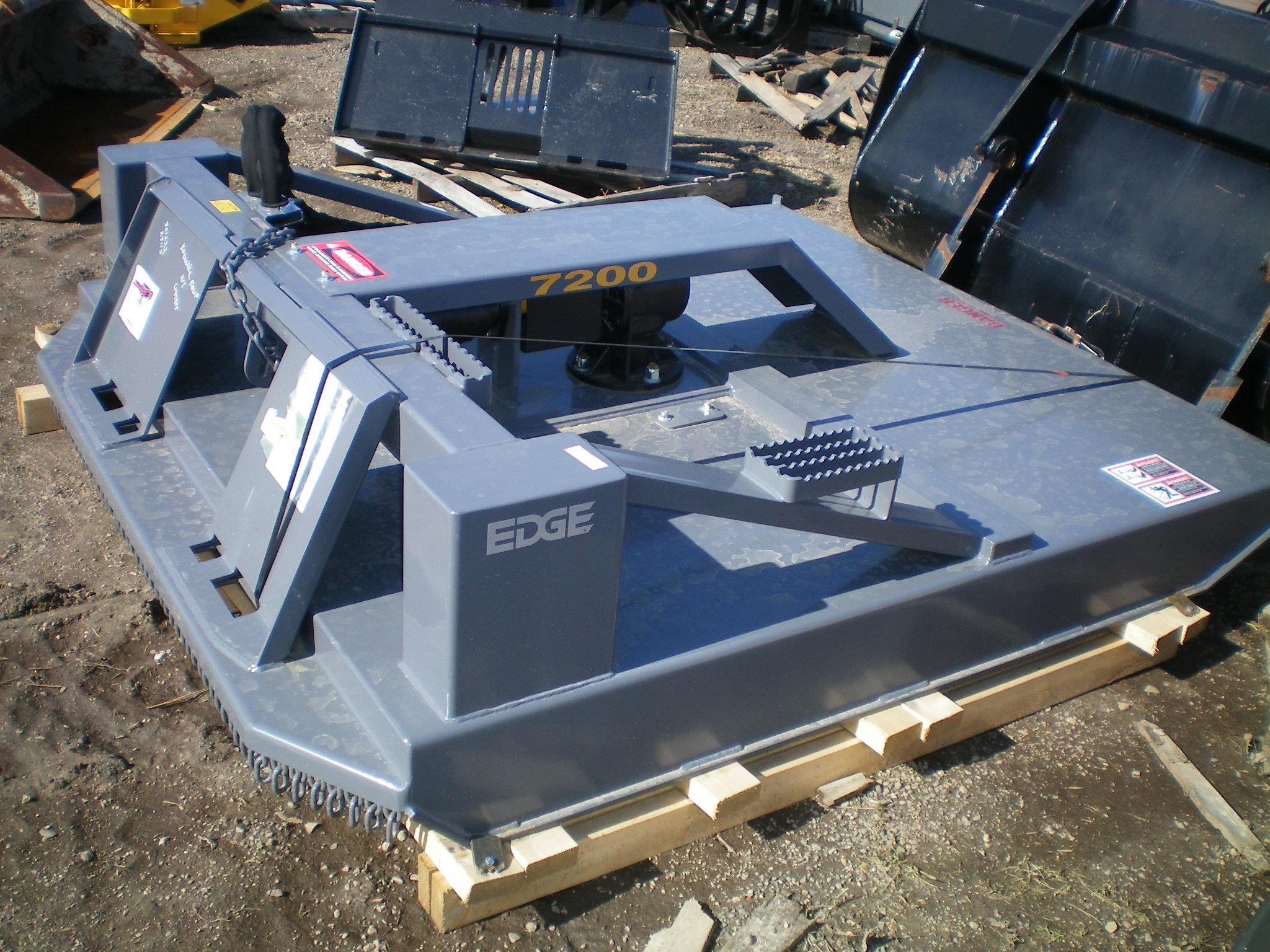 EDGE RM72 Loader and Skid Steer Attachment