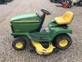 2000 John Deere LT166 Lawn and Garden