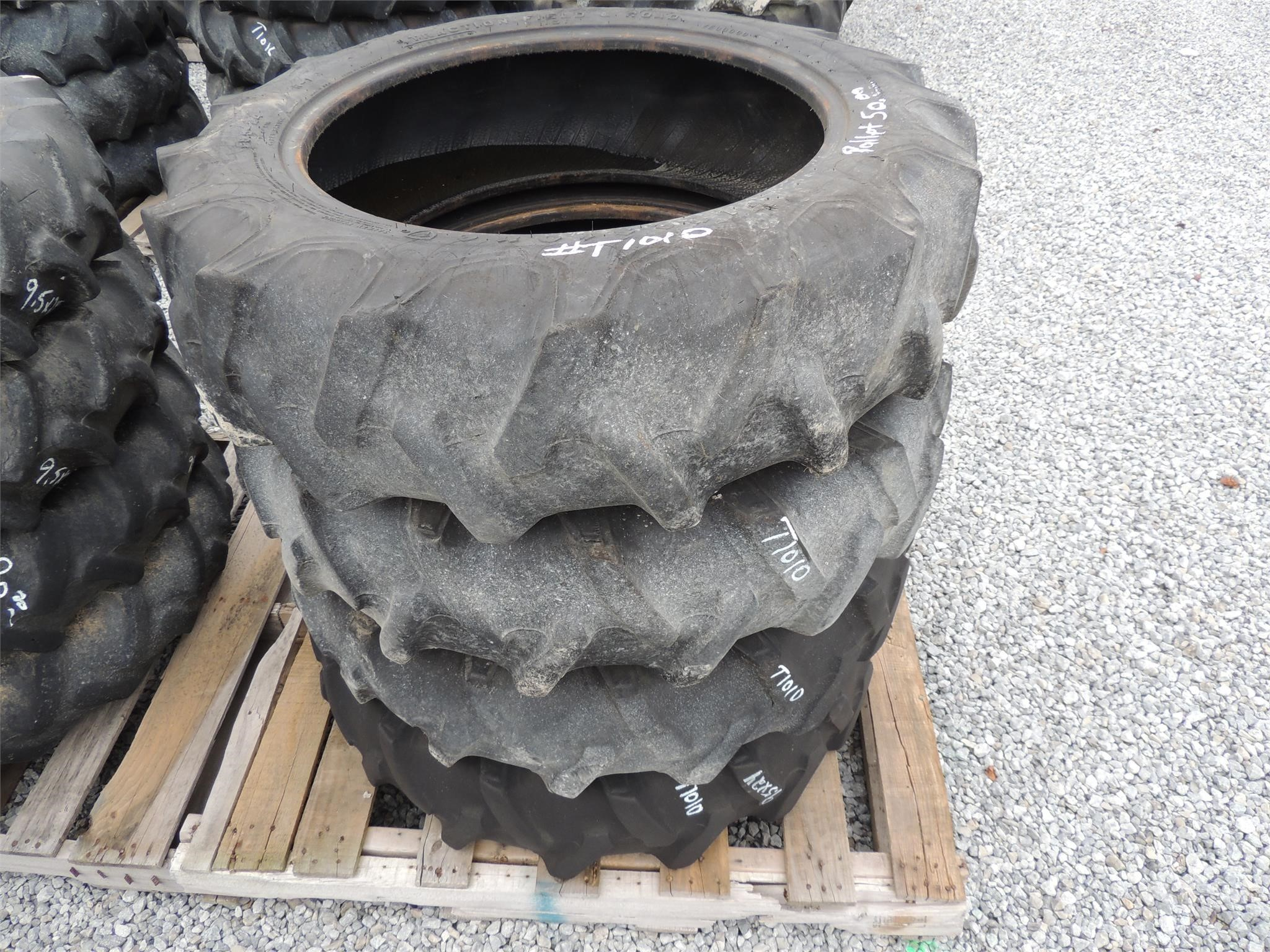 Firestone 9.5-24 Wheels / Tires / Track