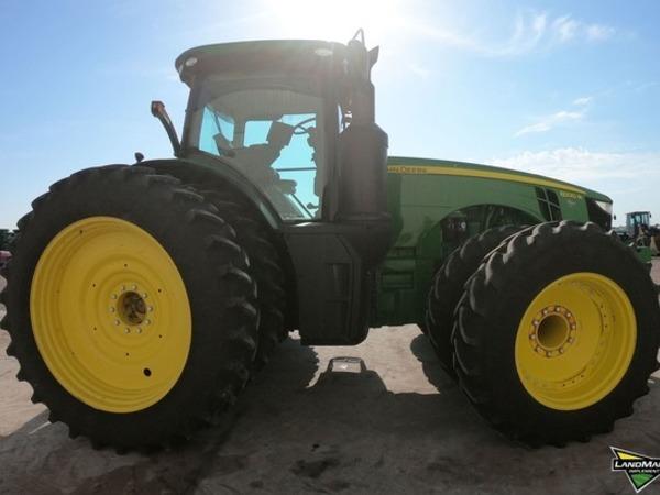 2016 John Deere 8320R Tractor