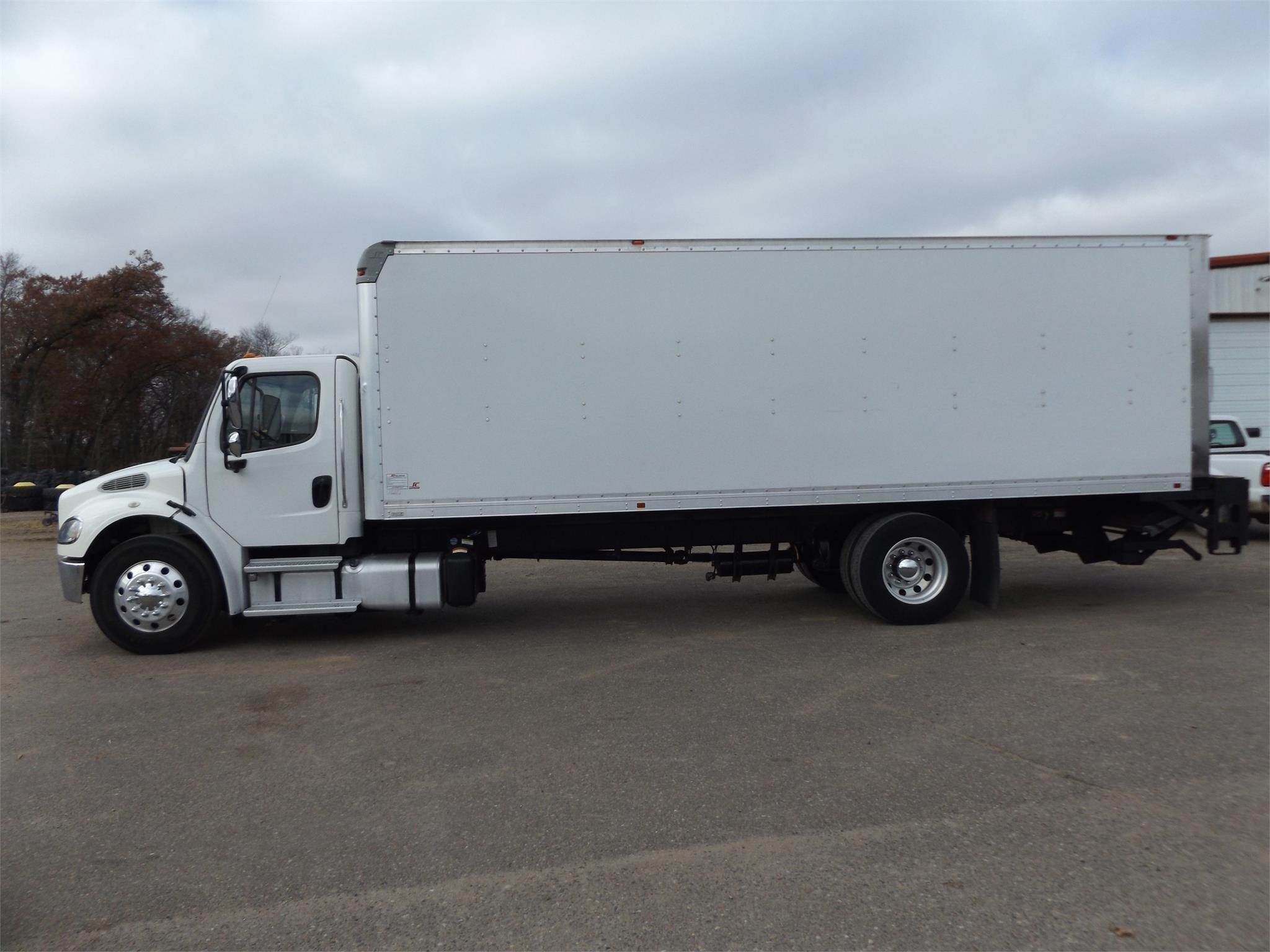 2015 Freightliner BUSINESS CLASS M2 106 Semi Truck