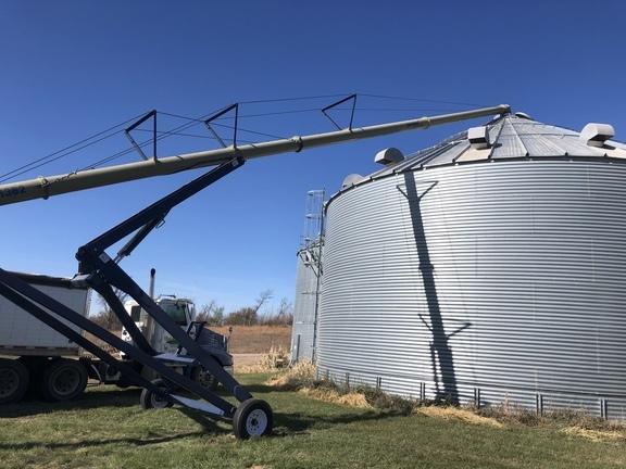 2012 Harvest International 13x82 Augers and Conveyor