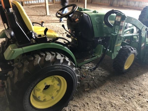 2010 John Deere 3520 Tractor