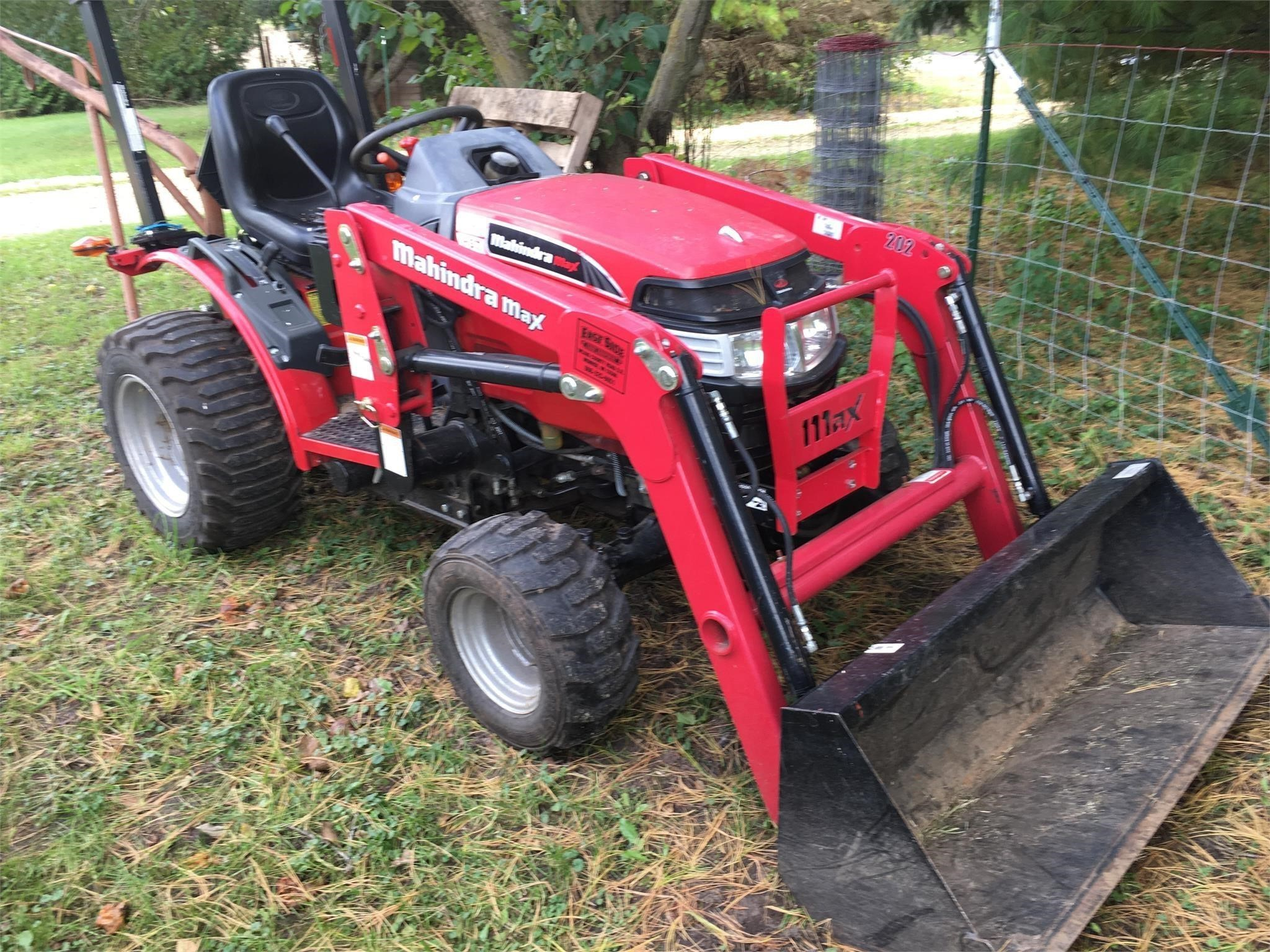 2015 Mahindra EMAX 22 HST Tractor