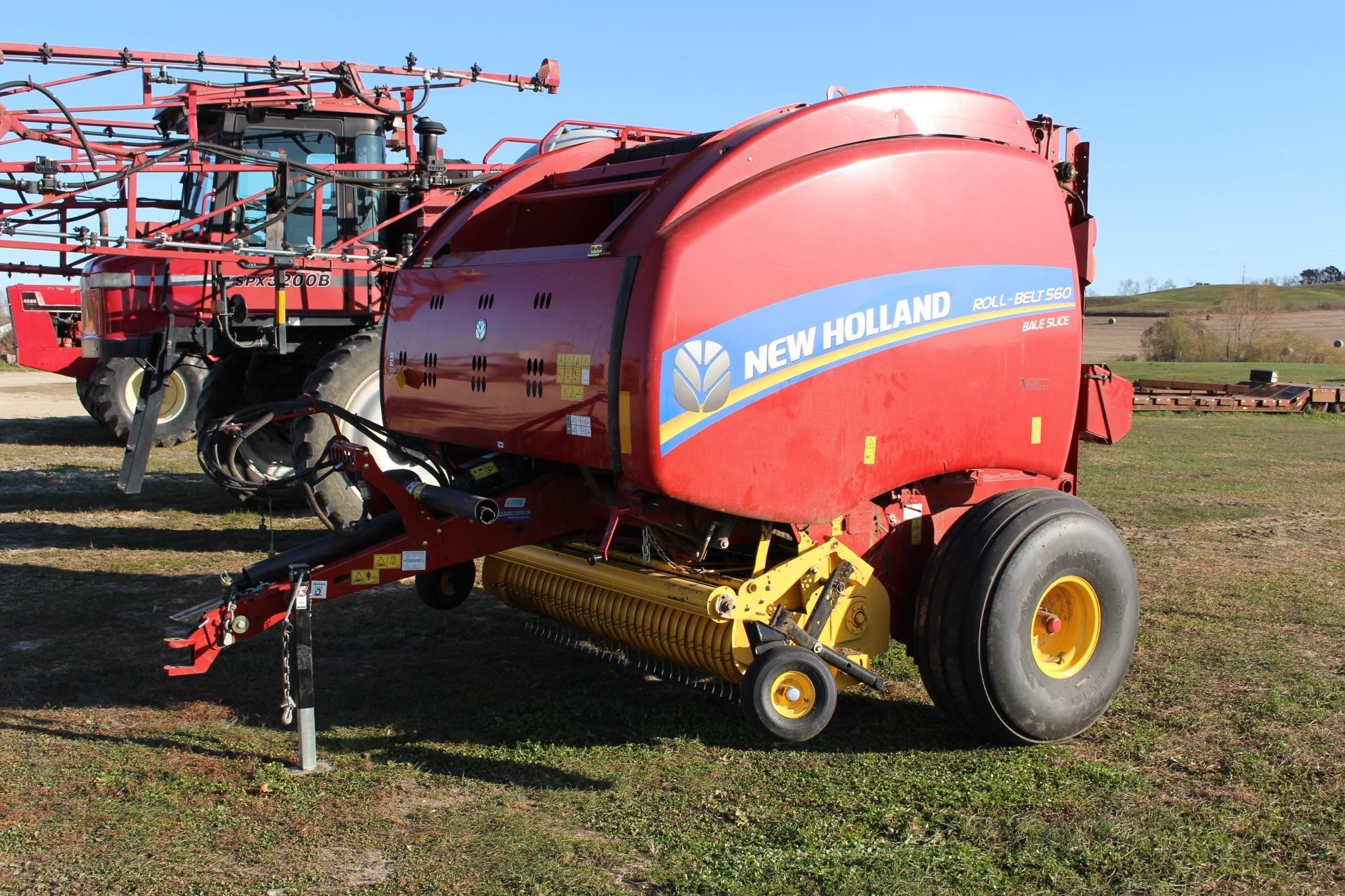 2018 New Holland Roll-Belt 560 Round Baler