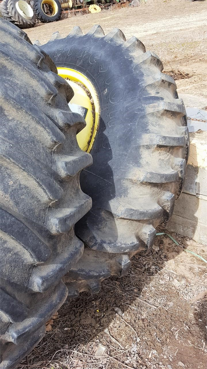 1988 Firestone 18.4X38 Wheels / Tires / Track