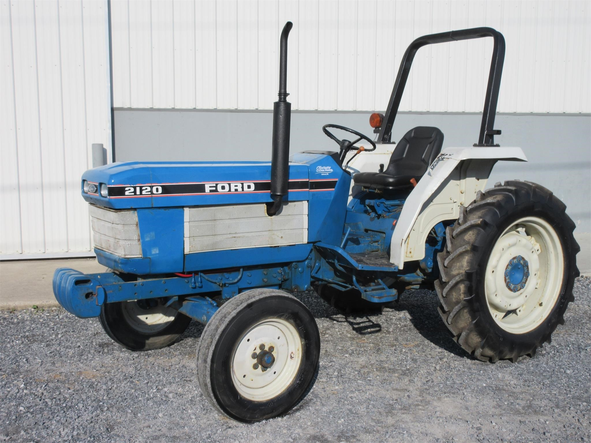 1990 Ford 2120 Tractor