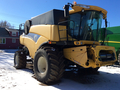 2009 New Holland CR9080 Combine