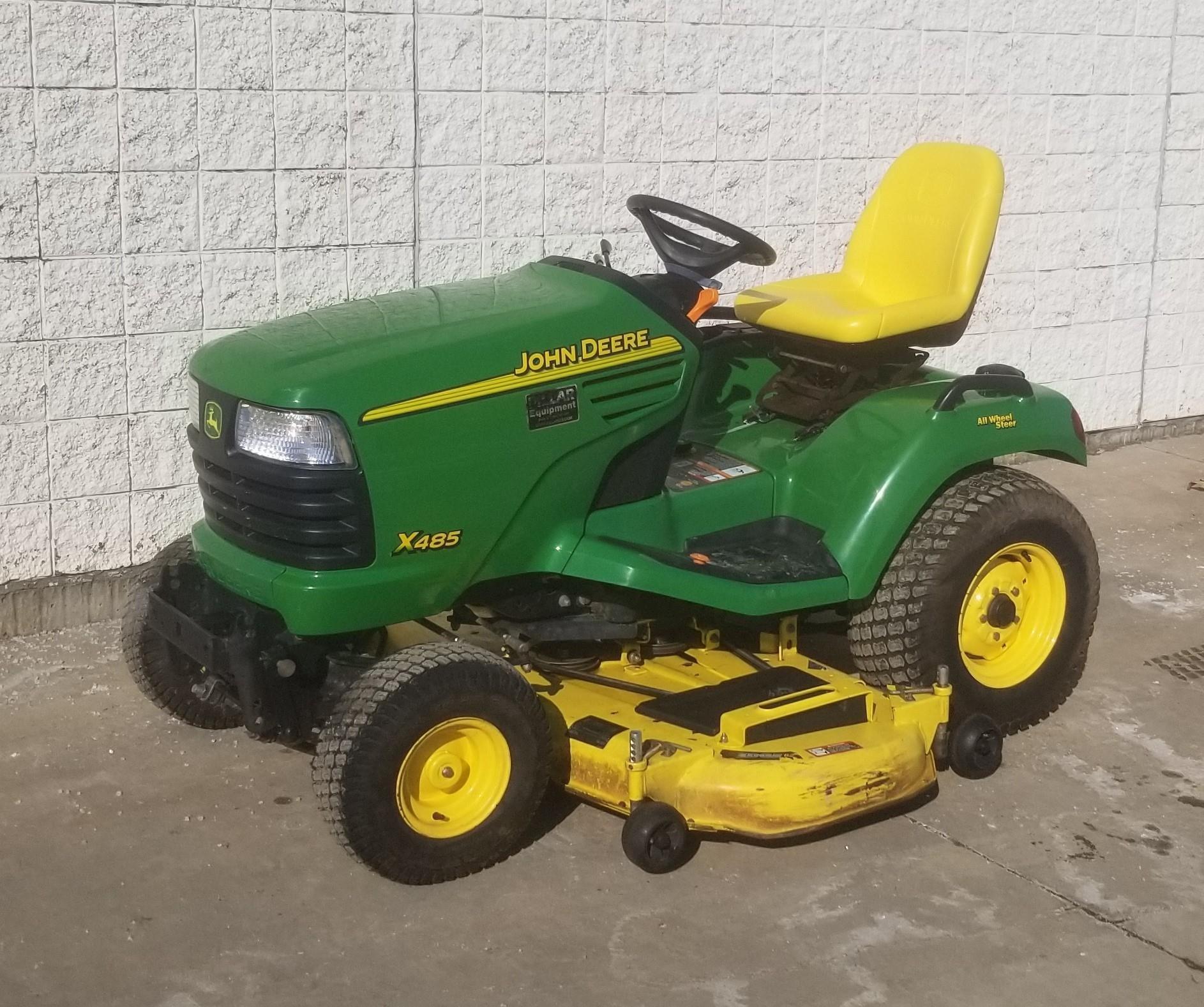 2005 John Deere X485 Lawn and Garden