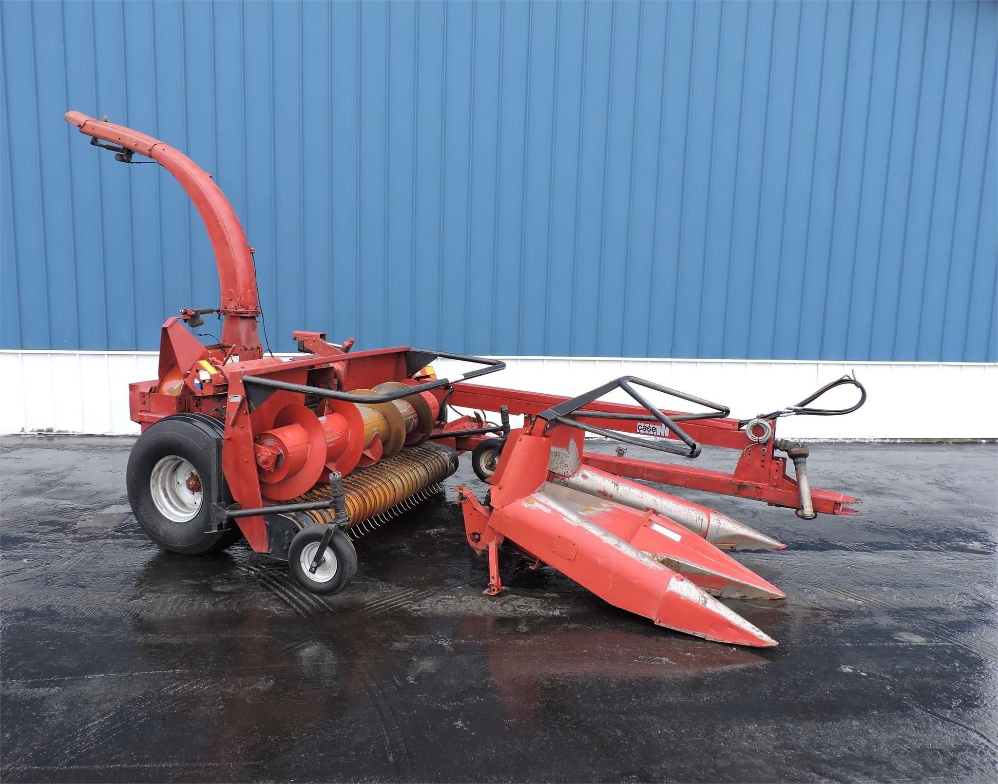 Case IH 8730 Pull-Type Forage Harvester