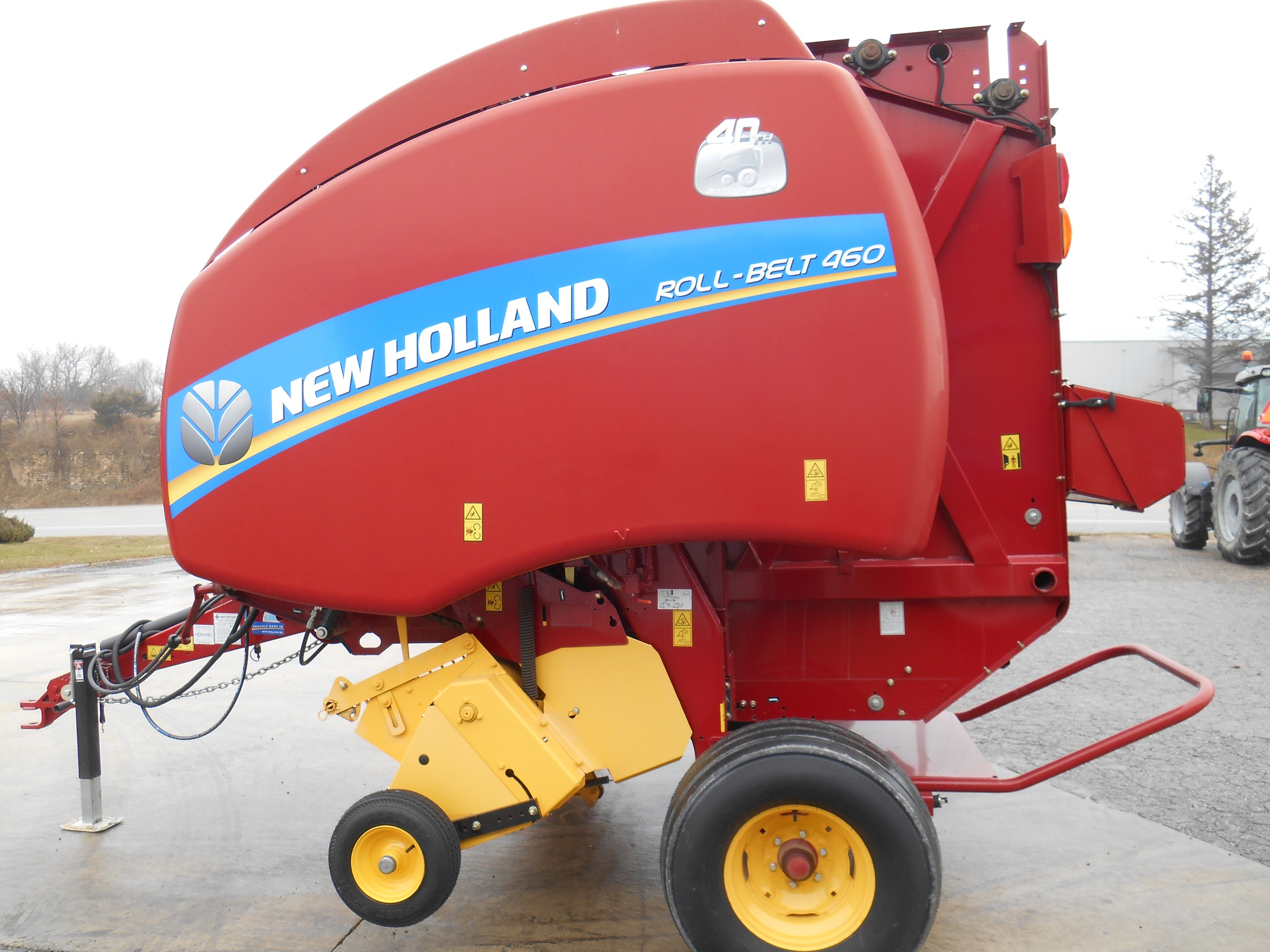 2015 New Holland Roll-Belt 460 Round Baler