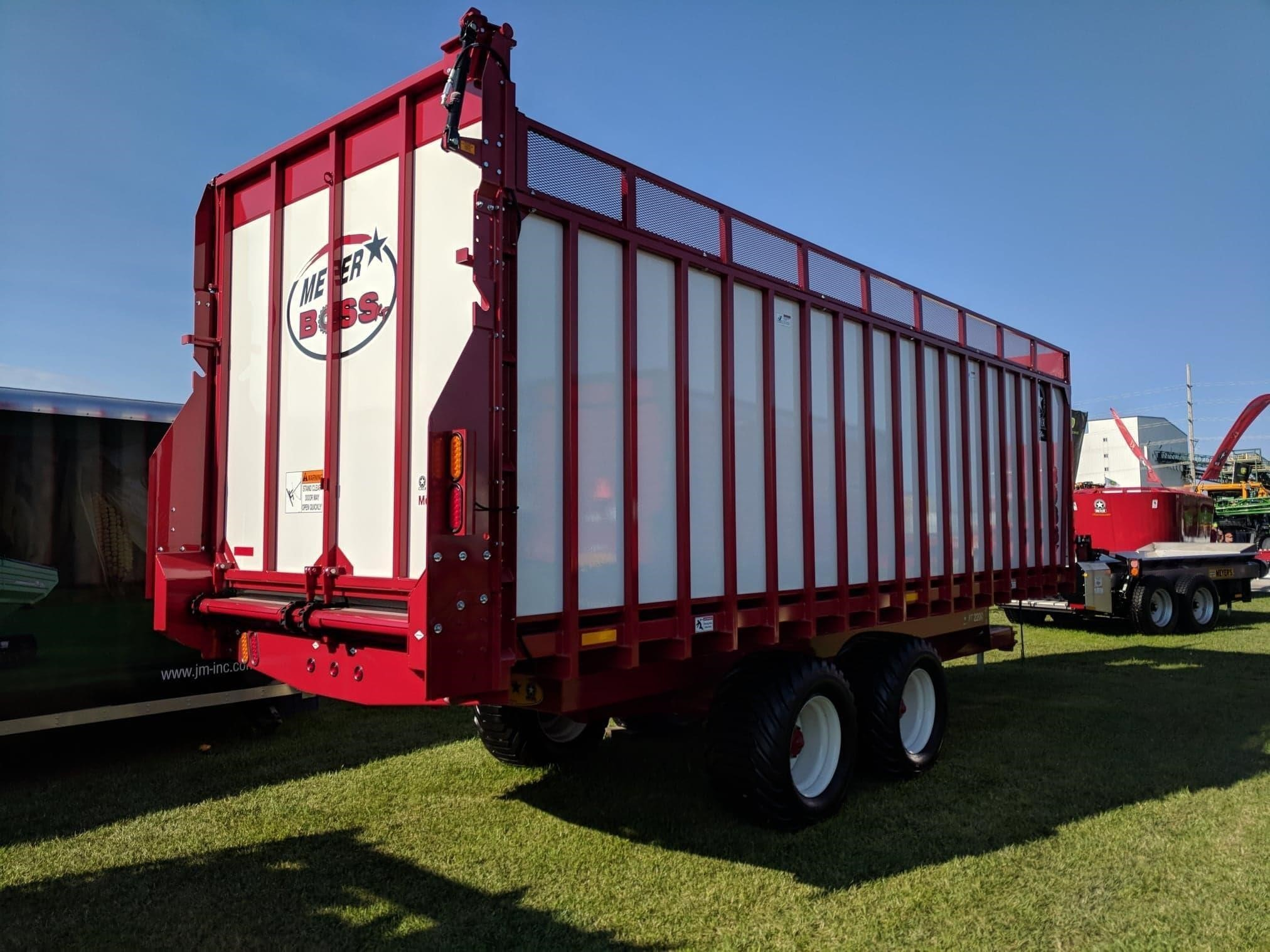 2020 Meyer 8124 Forage Wagon