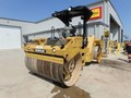2014 Caterpillar CB64 Compacting and Paving
