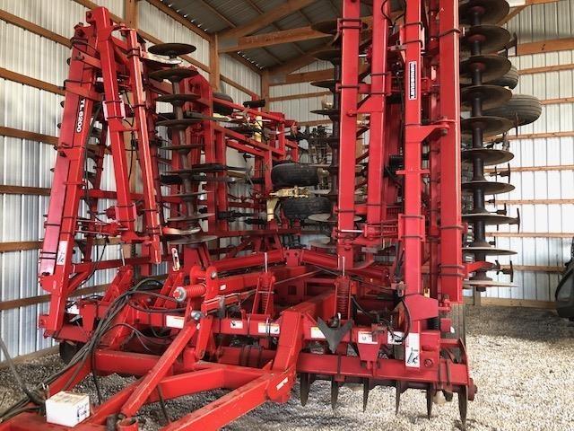 2011 Krause Landsman TL6200-42 Soil Finisher