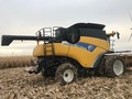 2010 New Holland CR9060 Combine