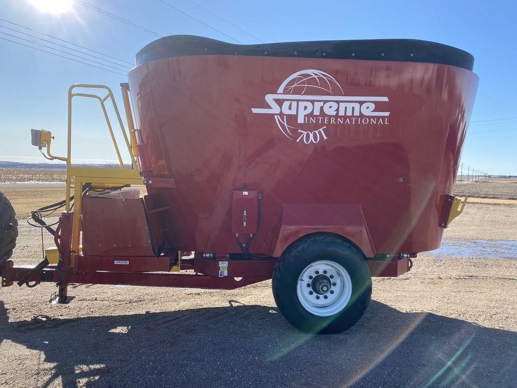 2016 Supreme International 700T Grinders and Mixer