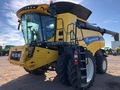 2018 New Holland CR8.90 Combine