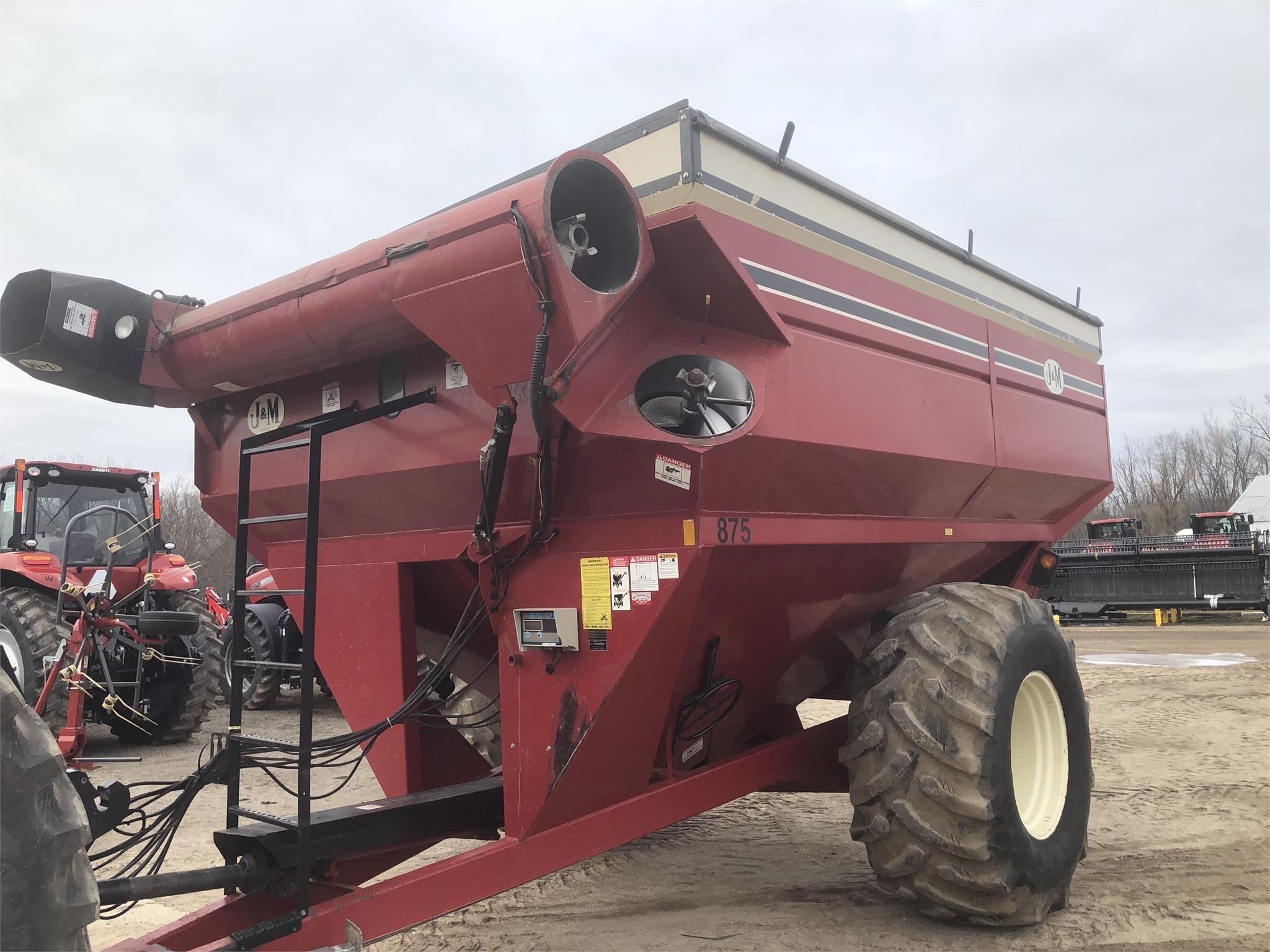 J&M 875-16 Grain Cart