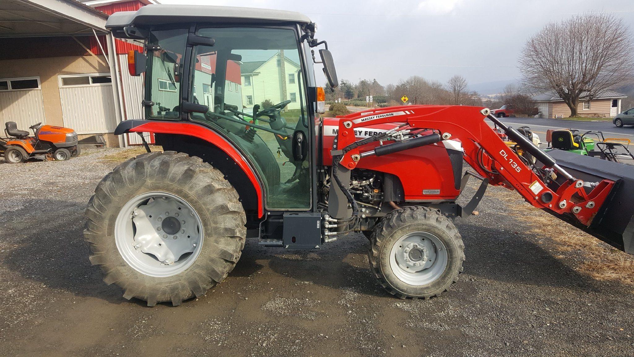 2016 Massey Ferguson 1758 Tractor