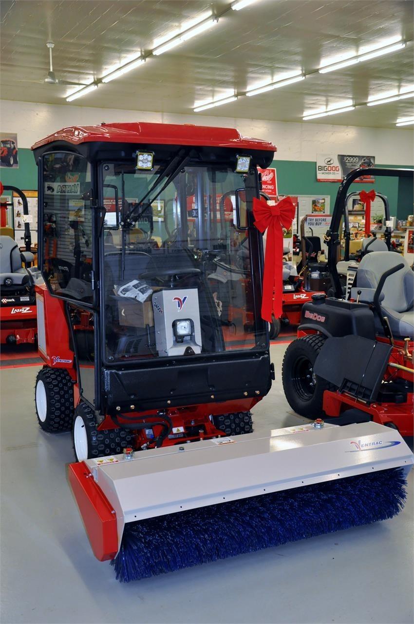 2018 Ventrac 3400Y Tractor