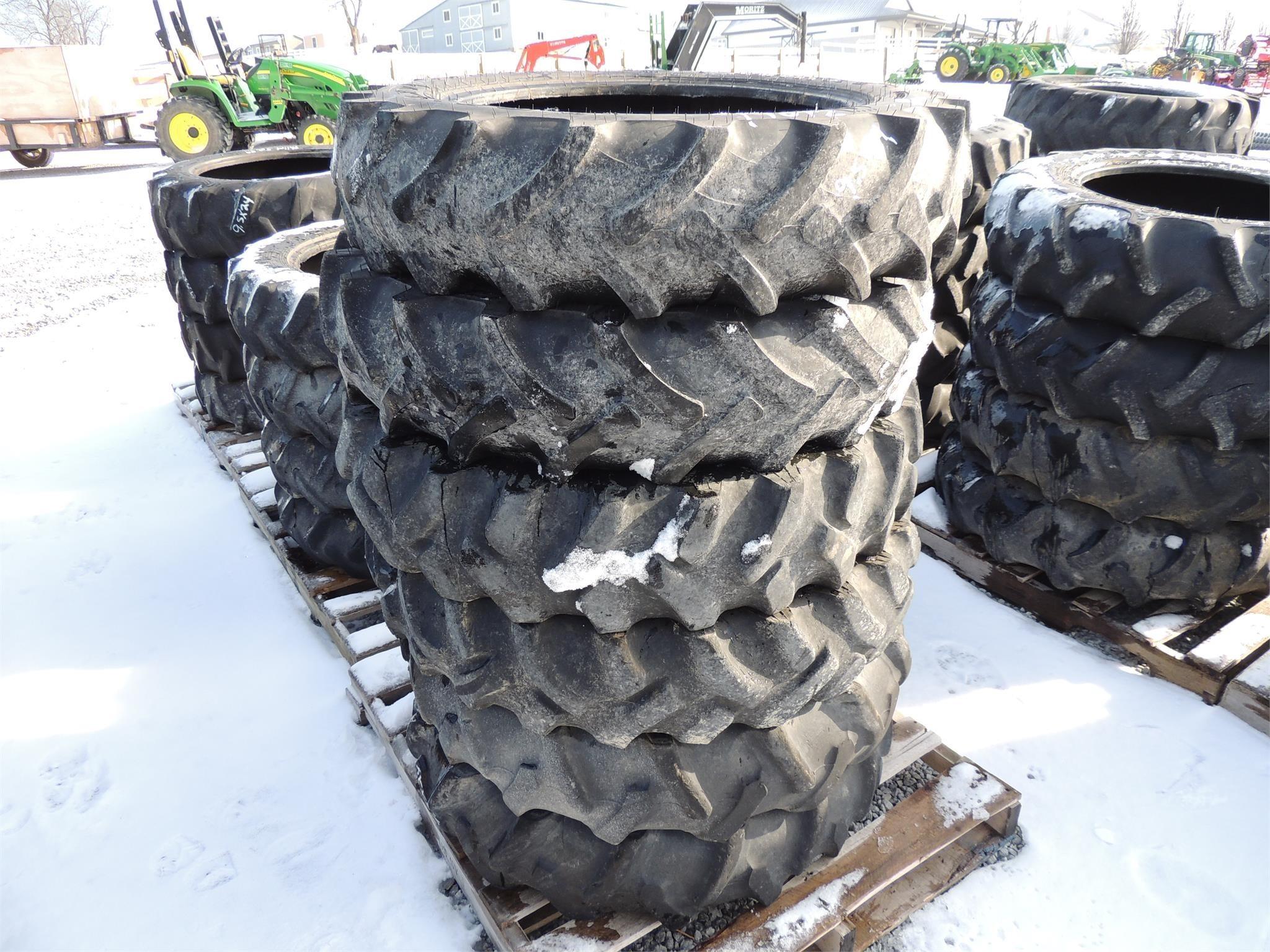 Firestone 9.5-24 Wheels / Tires / Track