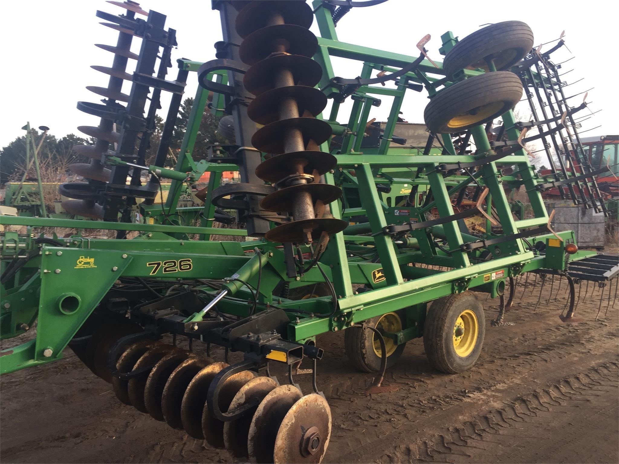 1996 John Deere 726 Soil Finisher