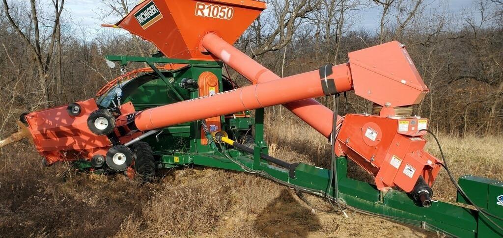 Richiger R1050 Grain Bagger