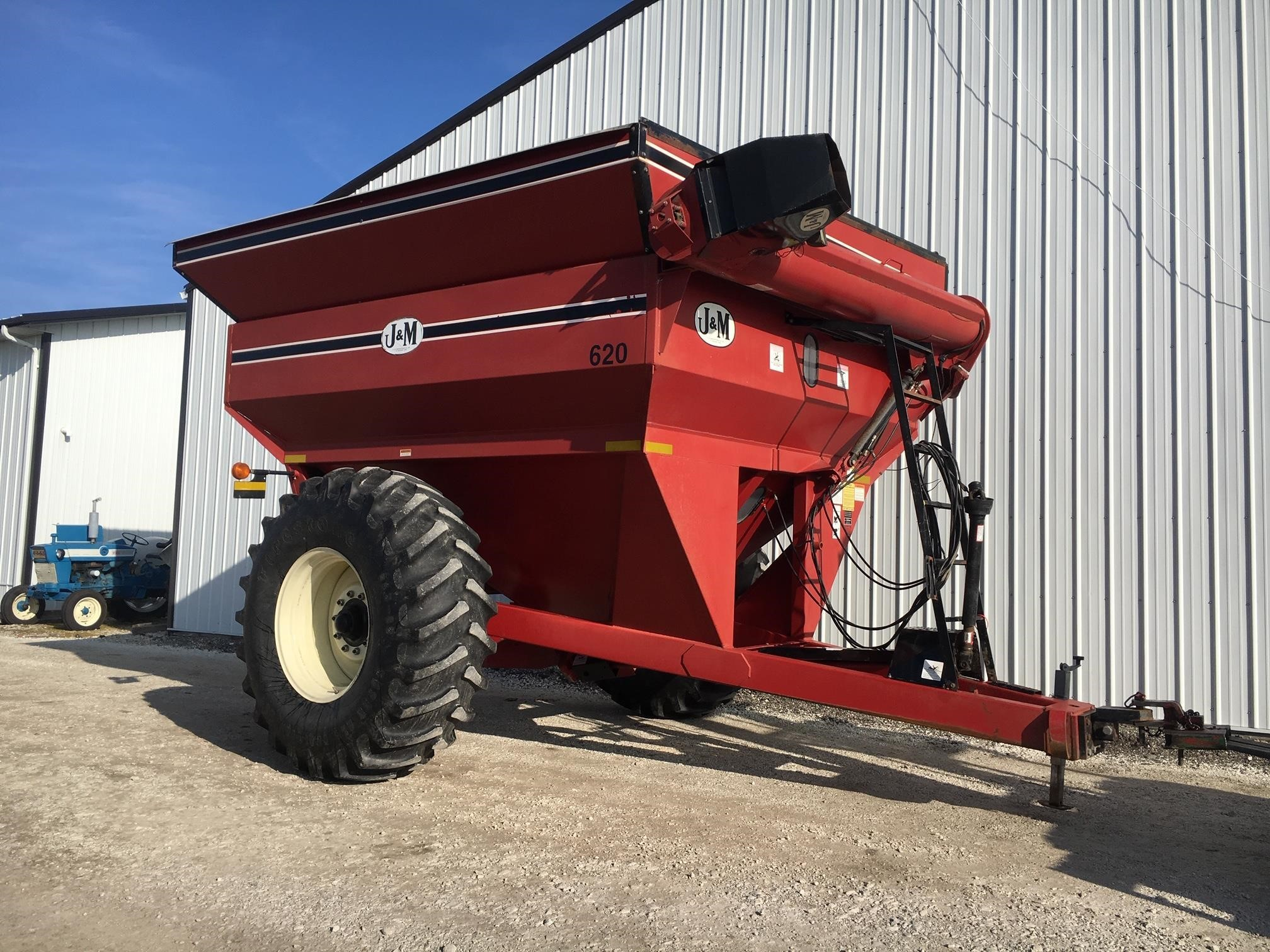 J&M 620-14 Grain Cart
