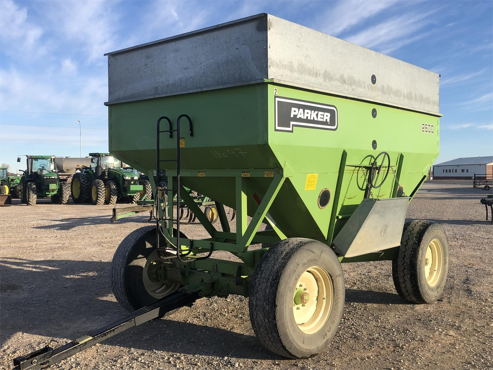 Parker 2600 Gravity Wagon