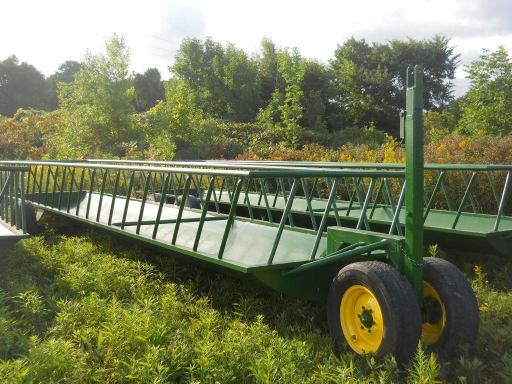 2021 Stoltzfus 5x28 Feed Wagon