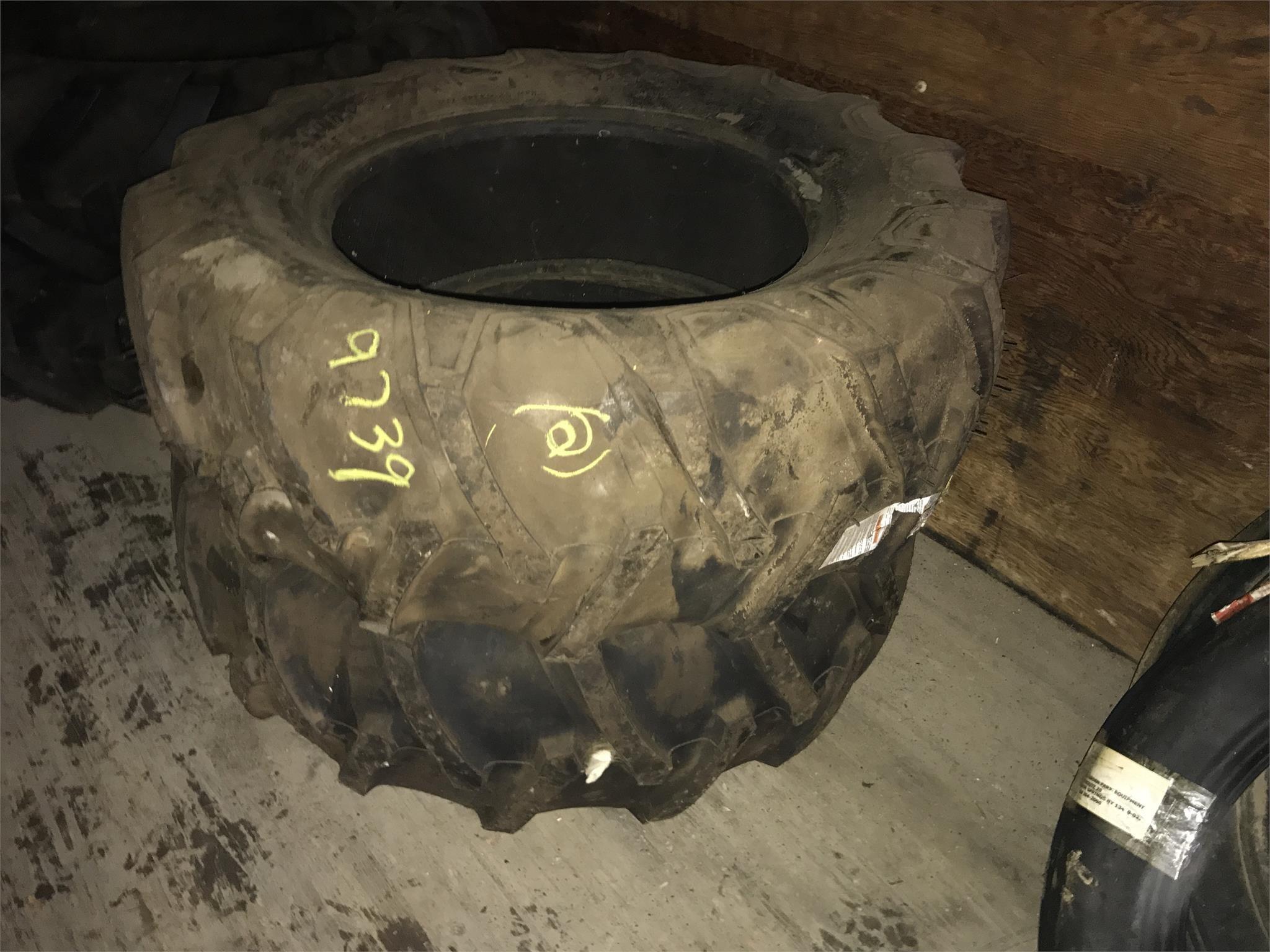 Firestone 12.5L-20 Wheels / Tires / Track