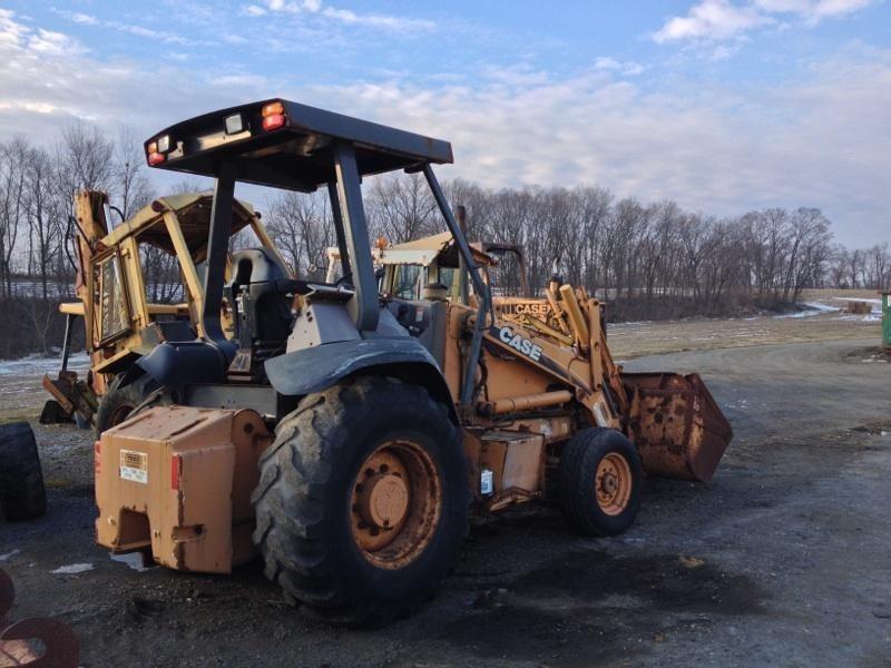 Case 570M XT Wheel Loader