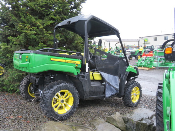 2016 John Deere Gator XUV 560 ATVs and Utility Vehicle